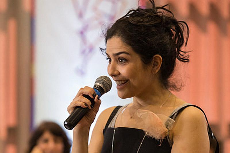 """Letícia Sabatella: """"Penso no feminismo como algo que não pertence apenas ao movimento de mulheres"""""""