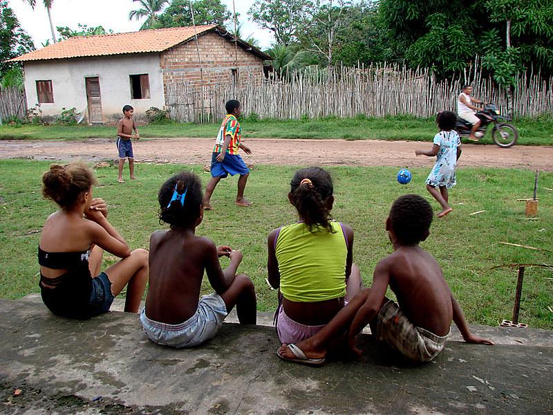 Crianças da comunidade Itamatatiua