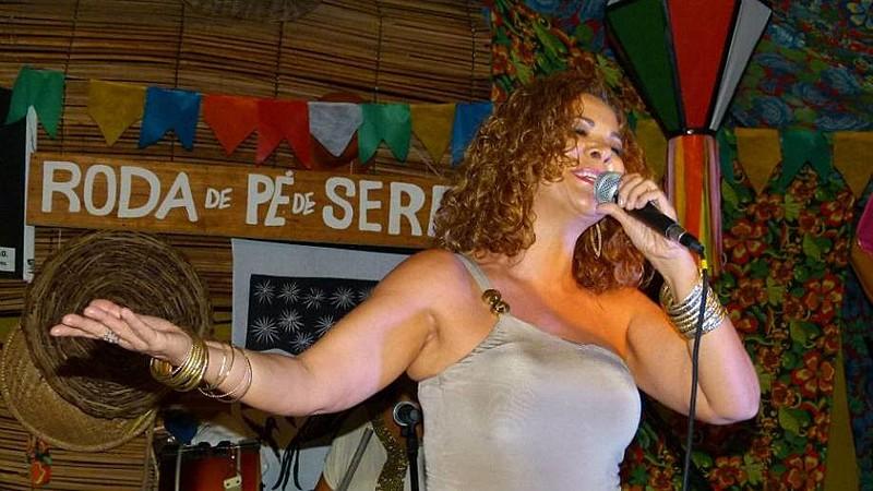 A agenda de shows de Irah neste São João passa por Recife, Olinda e também por Caruaru.