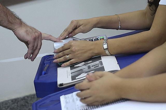 Catorce estados deben realizar segunda vuelta de las elecciones para gobernador el 28 de octubre próximo