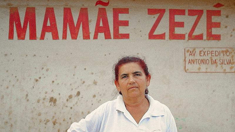 Zezé, que trabalha como parteira há 43 anos e é a única mulher da Câmara Municipal de Caruaru