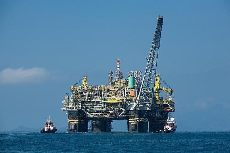 Congressistas defendem atuação da Petrobras em todo ciclo produtivo e comercial do petróleo