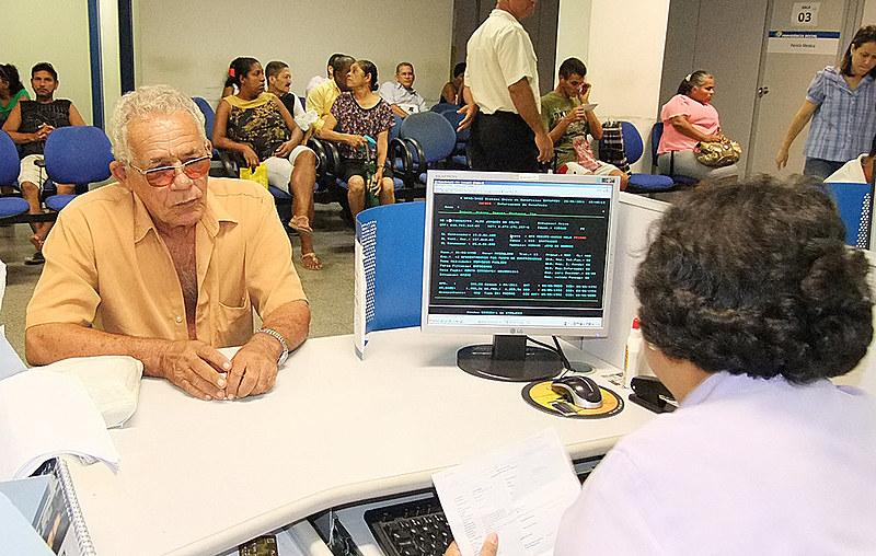 Proposta de Bolsonaro cortaria para R$ 400,00 o valor do benefício assistencial dos idosos de baixa renda com idade entre 65 e 69 anos