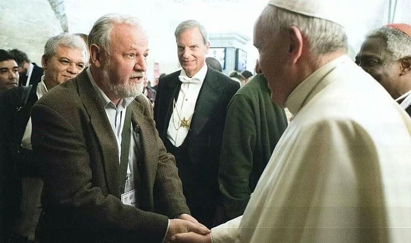 Stedile se encontra com o papa Francisco durante Encontro do Movimentos Populares, em Roma, na Itália