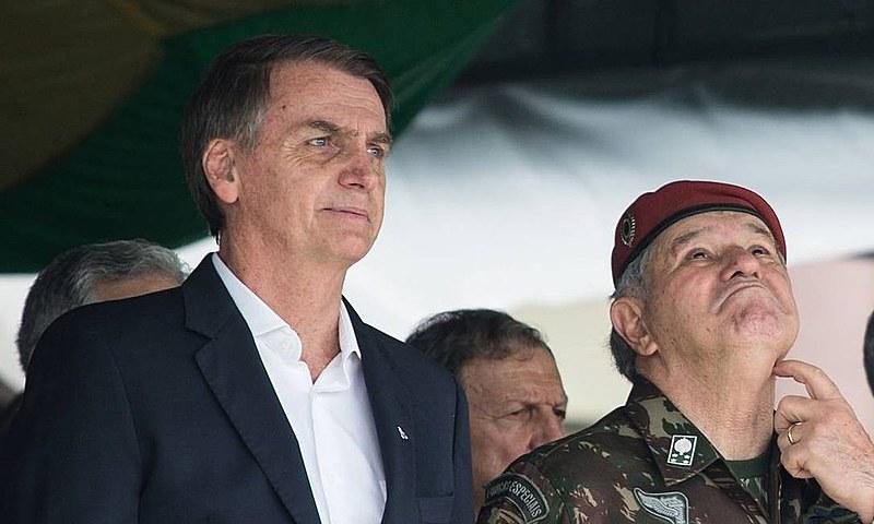 Presidente Jair Bolsonaro durante cerimônia na Vila Militar