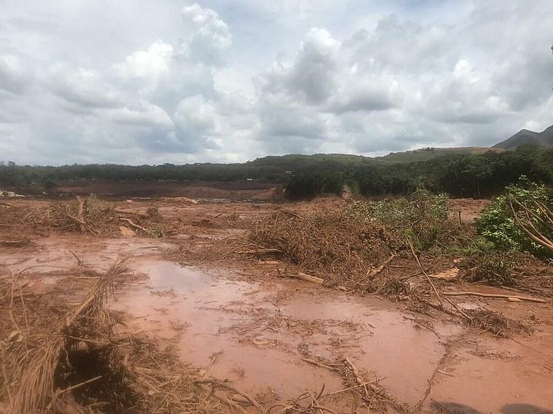 """""""A lama de rejeito é, resumidamente, uma composição de resto de solo com todo o material químico utilizado para segregar o produto final."""""""