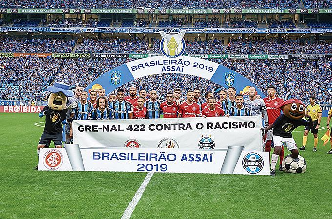 Campanha #ChegadePreconceito do Observatório da Discriminação Racial no Futebol no Gre-Nal 422