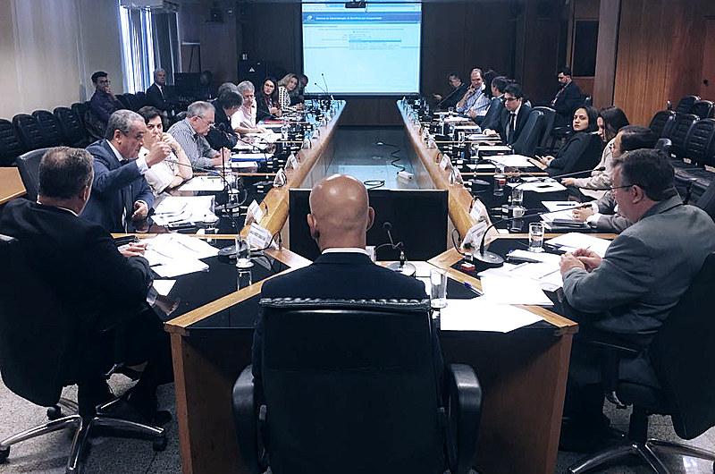 Estratégia do governo Federal é sufocar os espaços de debate e contestação; Greve Geral desta sexta (14) mostra insatisfação com a proposta