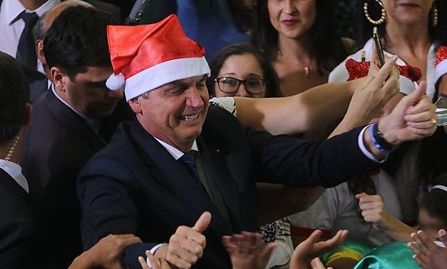 Bolsonaro esperou a véspera doNatalpara assinar um decreto determinando a extinção de quase 30 mil cargos no governo federal