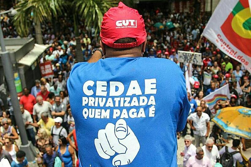 Desde el año pasado, servidores públicos, movimientos populares y funcionarios de la Cedae realizaron diversas protestas