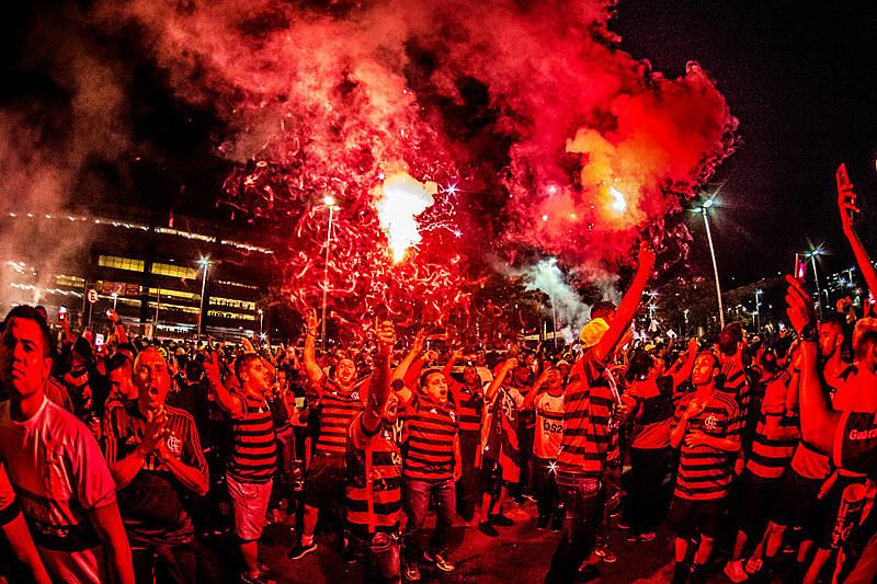 A torcida do Flamengo fez toda a diferença contra o Emelec