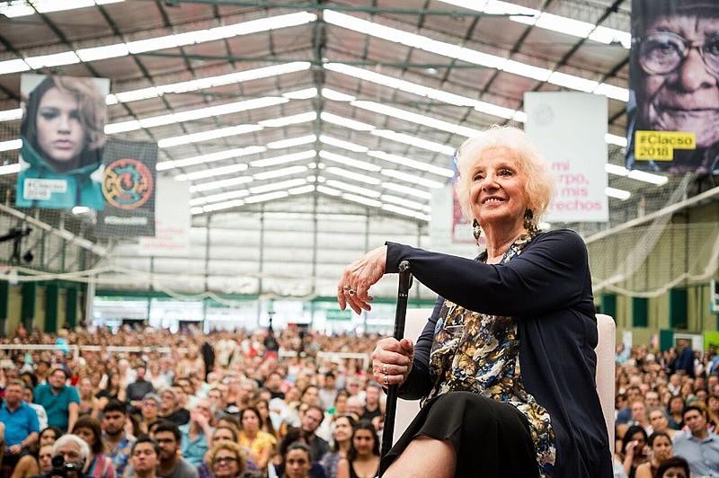 Presidenta da associação Avós da Praça de Maio até hoje luta para encontrar filhos de desaparecidos durante a ditadura na Argentina
