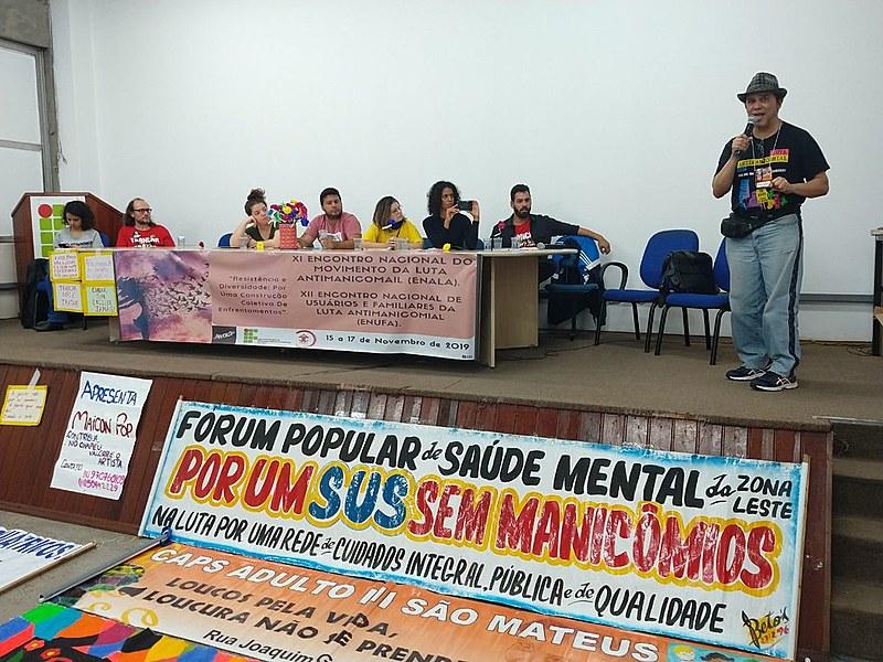 Mário Moro, do segmento de usuário, fala na abertura do XI Encontro Nacional do Movimento da Luta Antimanicomial