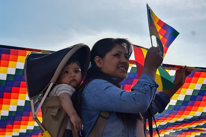 Bolivianos fizeram ato em solidariedade aos compatriotas que combatem o golpe de Estado contra Evo Morales