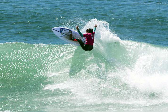 A atleta, Silvana Lima possui dois títulos brasileiros e classificação para o circuito da elite mundial - CT.
