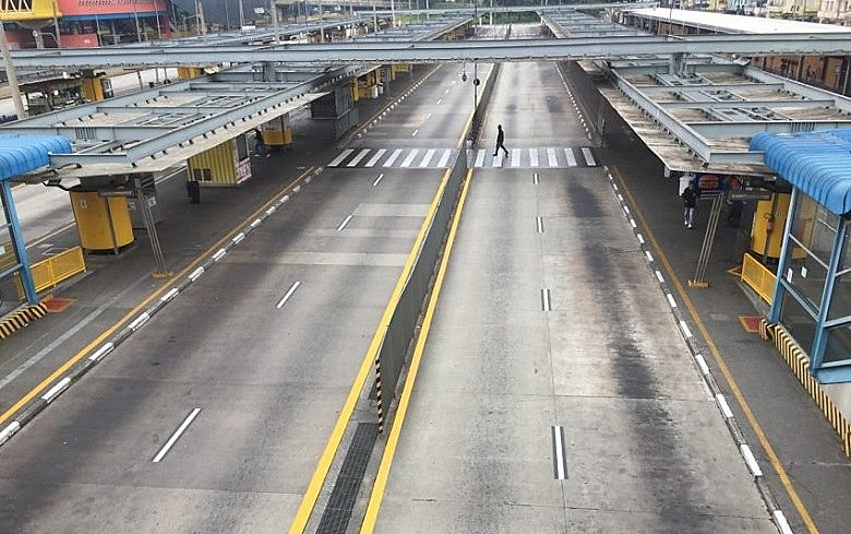 Terminal Parque Dom Pedro, em São Paulo, na greve de 28 de abril. Centrais prometem paralisação ainda maior