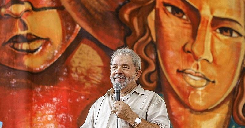 Lula participa da solenidade de 30 anos do MST, em 2015
