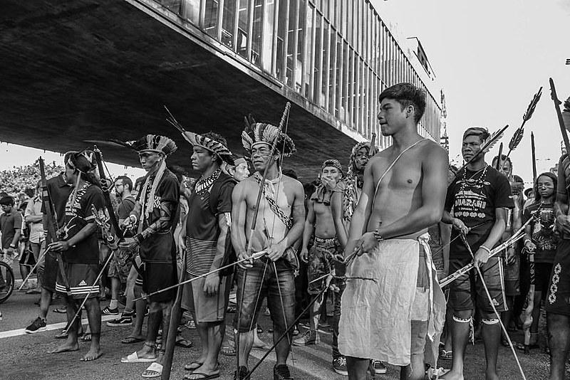 Indígenas se reúnem em ato na avenida Paulista, em São Paulo, para protestar contra o governo Bolsonaro