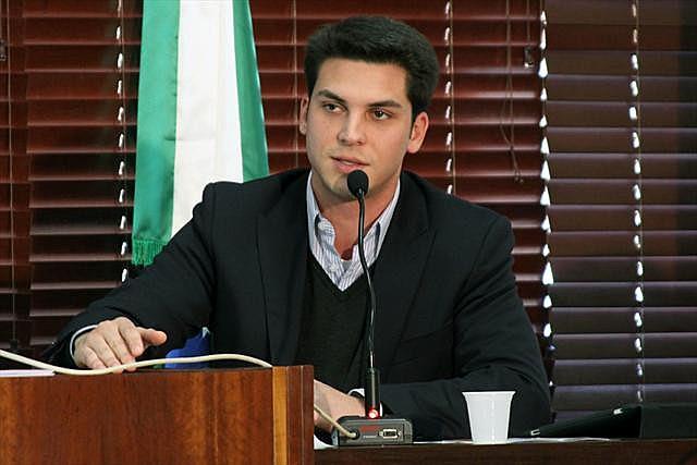 Filho de Beto Richa (PSDB) foi anunciado pela equipe do prefeito eleito, Rafael Greca (PMN)