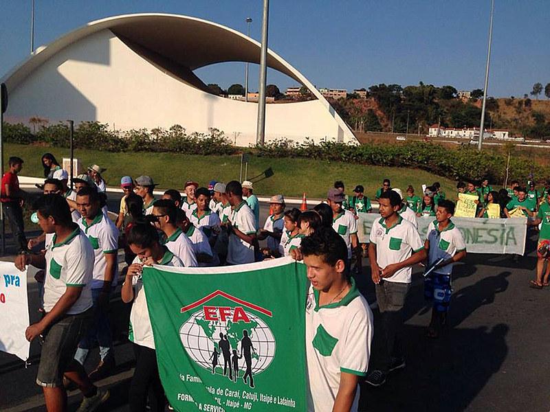 Em Minas Gerais, aproximadamente 2 mil jovens do campo estudam nas EFAs