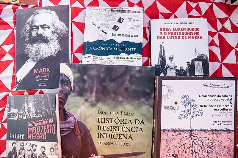 Editora Expressão Popular indica seis livros para militância visitante da Feira