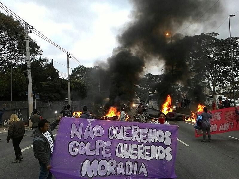 Movimiento de Trabajadores Sin Techo salen a las calles en defensa de la demcoracia y por más derechos