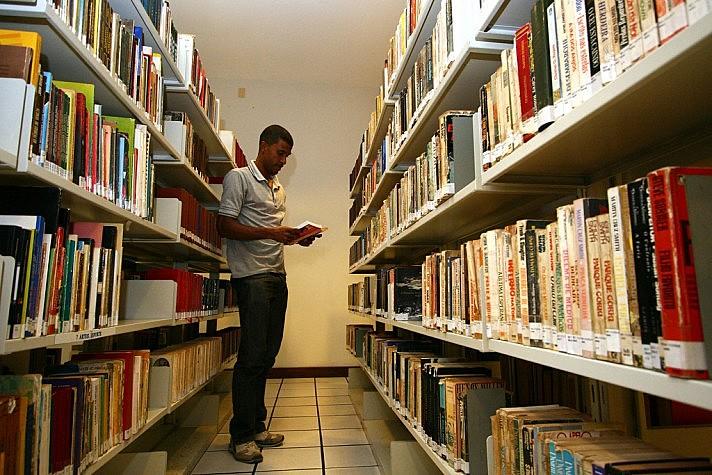 O estudo da Filosofia e Sociologia não é obrigatório na grade do Ensino Médio