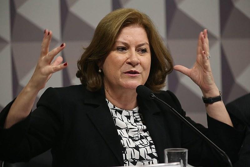 Ex-coordenadora do Programa de Aceleração do Crescimento (PAC), Belchior diz que governo não toma atitudes para ajudar o país a crescer
