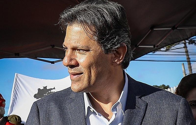 Haddad participa de ato político em Coritiba