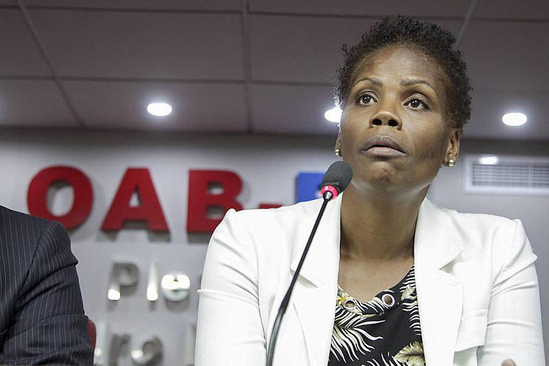 Valéria pontua que, por ela ser negra, é comum ser menosprezada por magistrados que a recebem