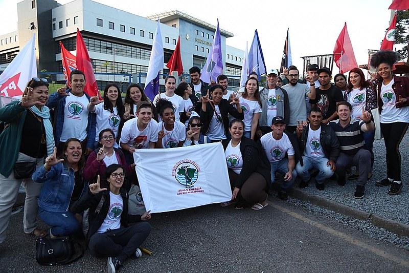 Vigília Lula livre já tem 215 dias de resistência em frente à Polícia Federal, onde Lula é mantido preso