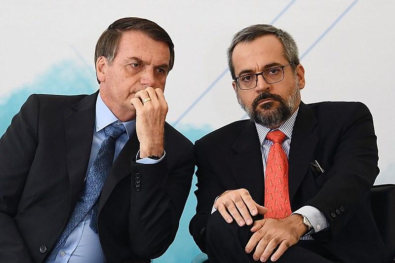 Jair Bolsonaro e Abraham Weintraub protagonizam ataques à educação brasileira desde o início do ano