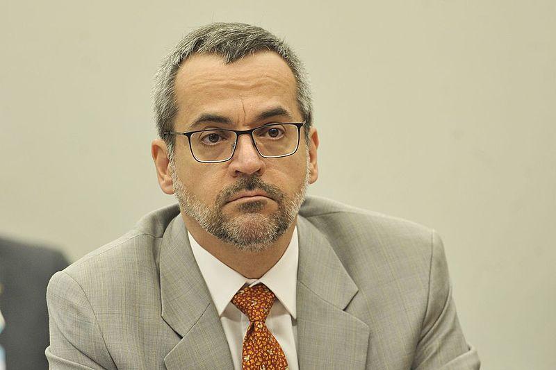 Ministro da Educação, Abraham Weintraub, divulgou vídeo incentivando denúncias contra quem estimula protestos