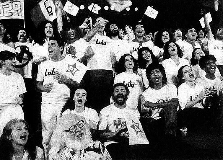 Lula foi eleito, em 2002, nas profundezas do descenso da luta da classe trabalhadora, em contraste com o ano de 1989