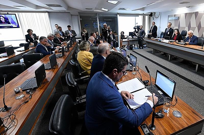 Senadores da CCJ foram unânimes ao aprovar pacote proposto por Moro