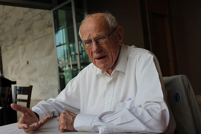 """Houtart é conhecido como o """"Papa da antiglobalização"""" e um dos grandes pensadores de matriz ideológica marxista no continente"""