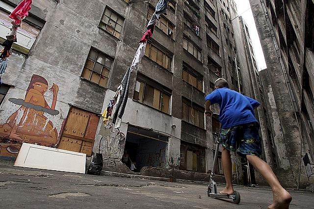 La ocupación Prestes Maia, en edificio abandonado en la ciudad de São Paulo, llegó a ser la segunda mayor ocupación de América Latina