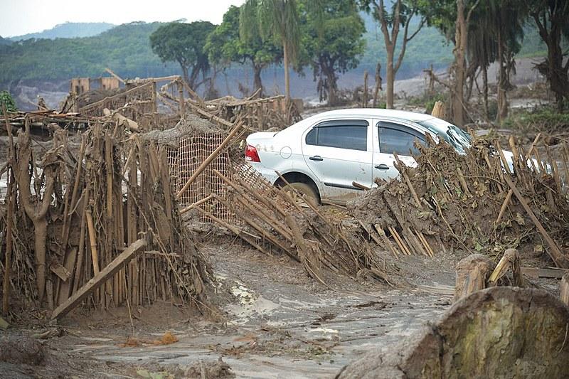 Bento Rodrigues, dias após o rompimento da barragem