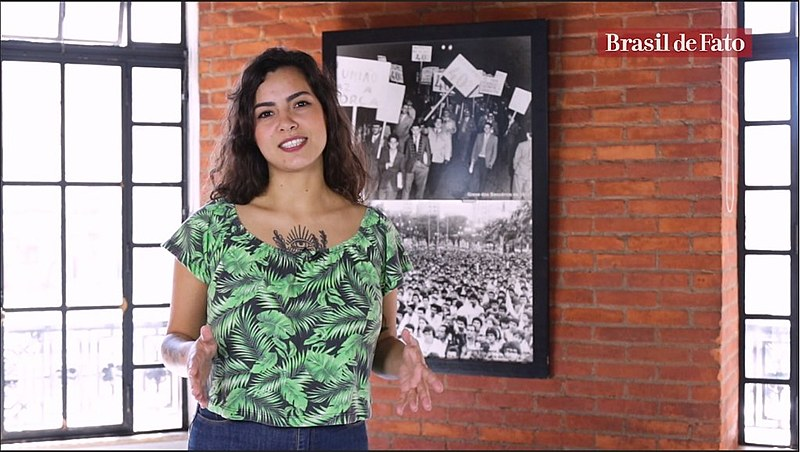 Journalist and presenter Pâmela Oliveira hosts Brasil de Fato's new weekly show produced for English-speaking audiences