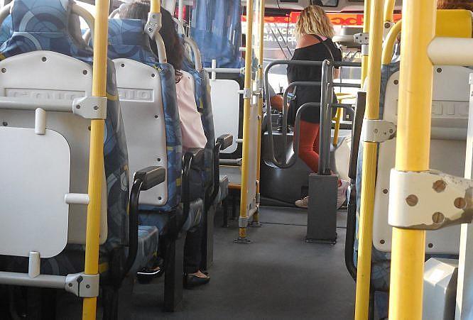 53,57% das mulheres que usam ônibus em João Pessoa sofreram assédio