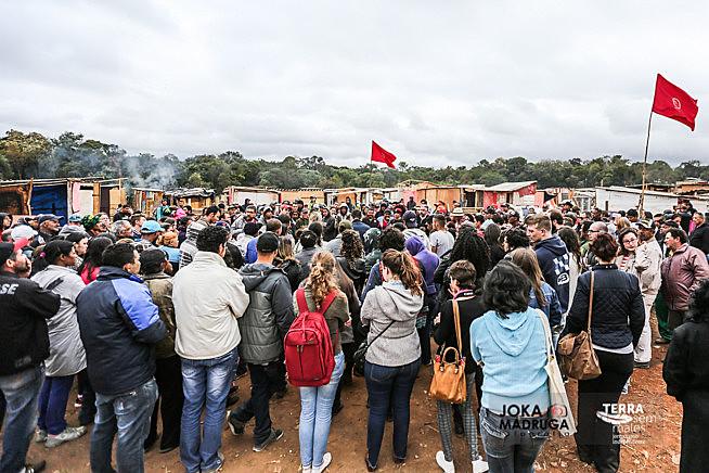 Famílias batizaram a ocupação de 'Dona Cida' em memória à militante que faleceu em julho do mesmo ano, após esperar dois anos por cirurgia