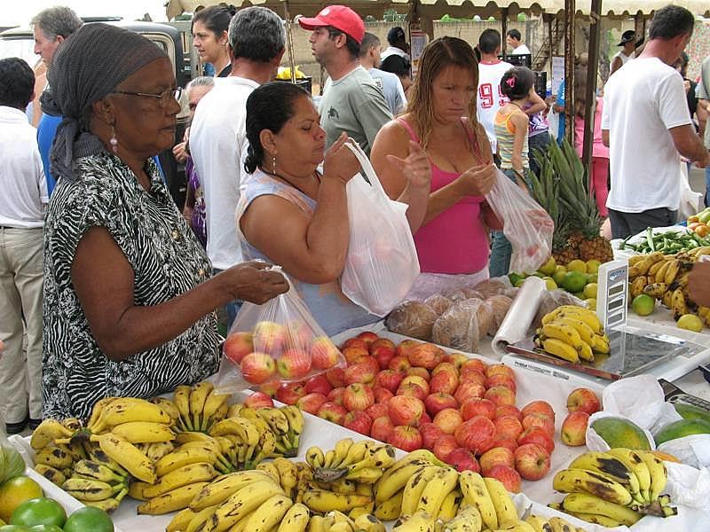 Dinheiro dos aposentados mantém o comércio local no azul e ajuda no progresso das cidades