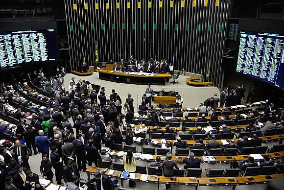 Los presidentes de los partidos hablan sobre la urgencia de la movilización popular contra la pérdida de derechos sociales