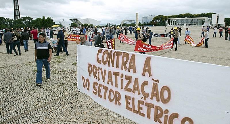 Maioria da população é contra as privatizações