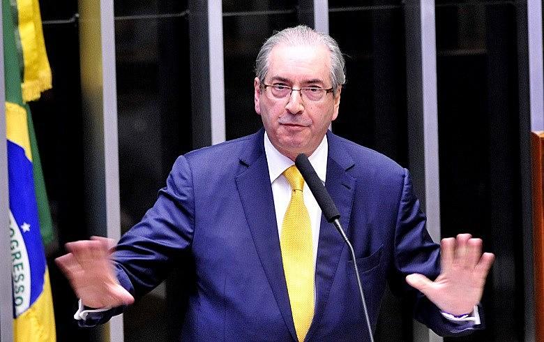 Apenas dez deputados votaram a favor de Cunha; nove se absteram