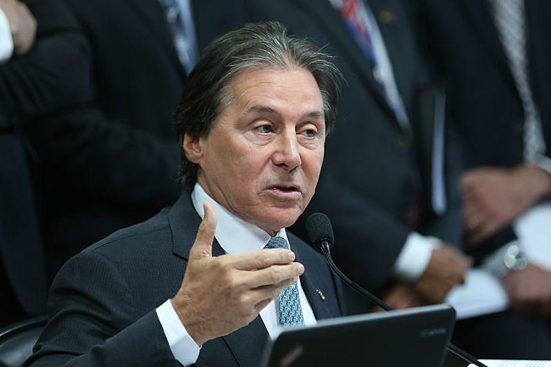 Eunício Oliveira é o novo presidente do Senado
