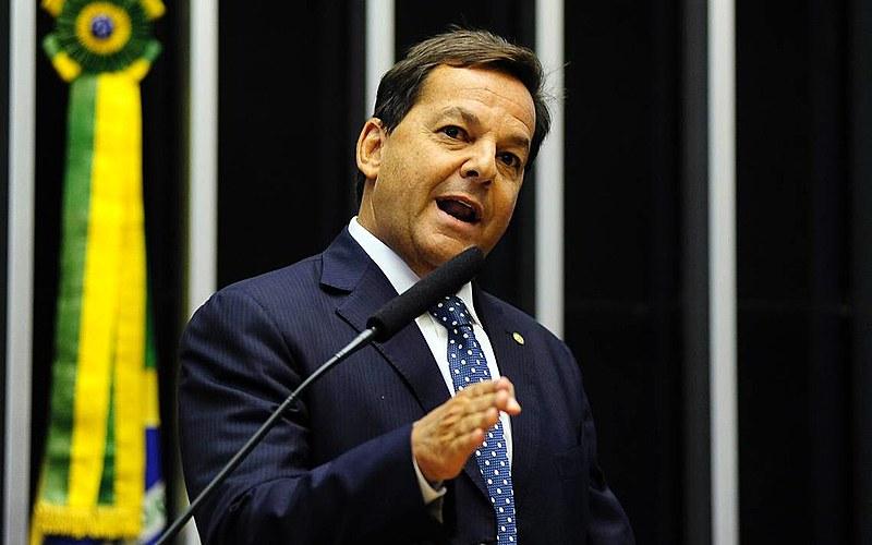 O deputado Sérgio Zveiter (PMDB-RJ), relator da denúncia contra o presidente golpista