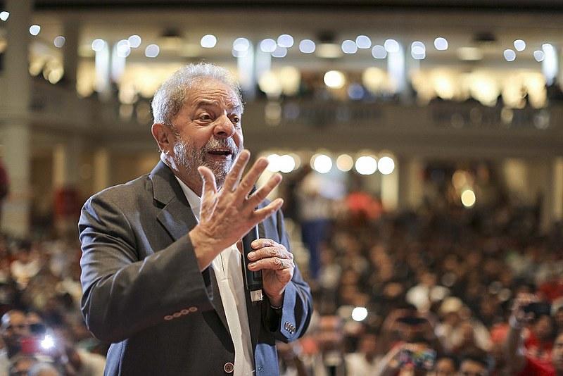 Lula no Congresso do PT; TRF4 decide se houve plágio na decisão da juíza Gabriela Hardt que condenou Lula em primeira instância