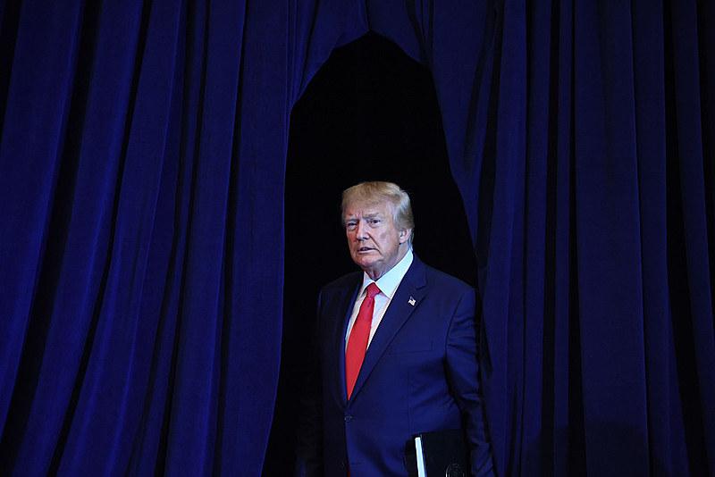Ao contrário do Brasil, o presidente estadunidense só deixa o cargo após o aval do Senado