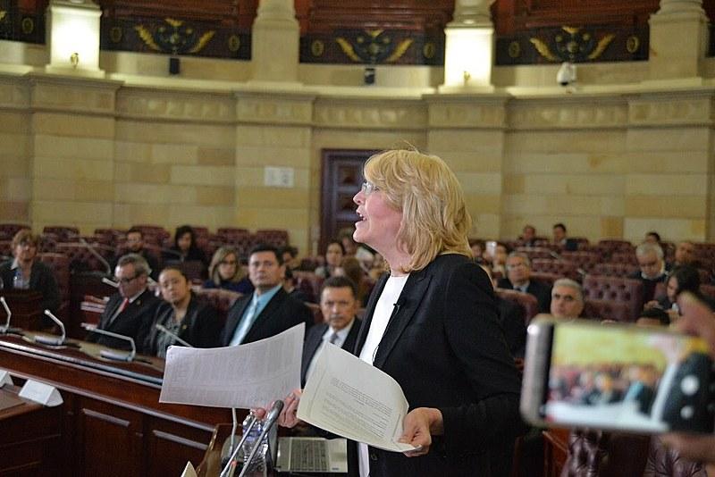 Ex procuradora-geral da Venezuela Luisa Ortega é criticada por pedir prisão de Maduro em Congresso colombiano